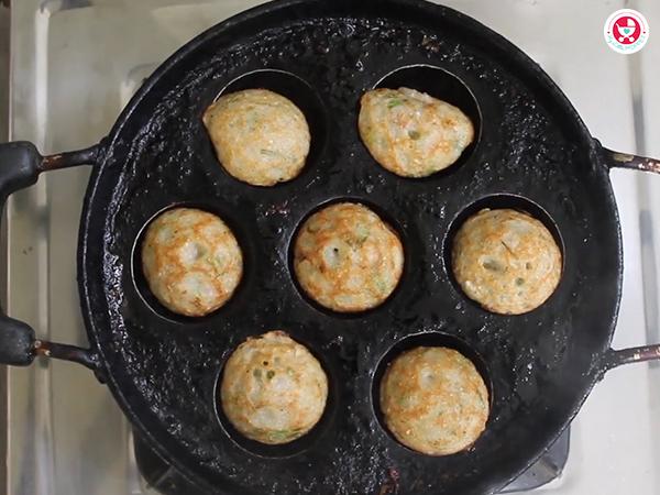 Jowar (Sorghum) Appe / Chola kuzhi paniyaram for Kids