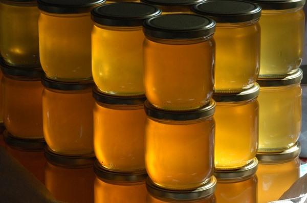You've come across different types of honey, but Why is Raw Honey better than Regular Honey? Let's find out all about raw honey in this post.
